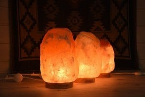 Himilayan Salt Lamp To Reduce EMF Exposure