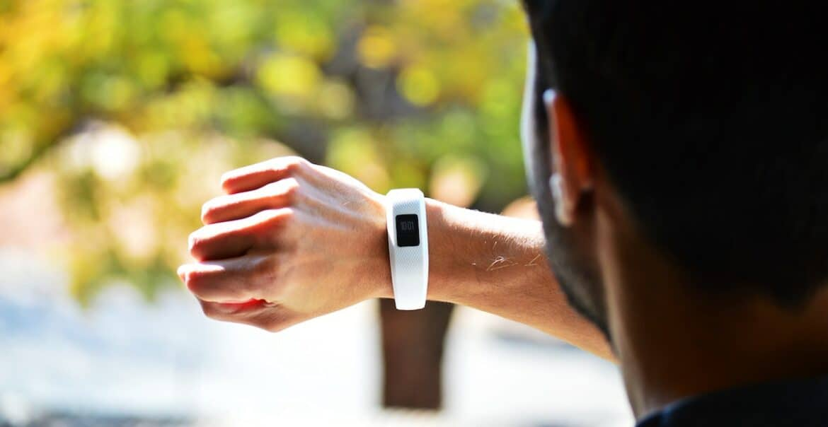 no bluetooth fitness and activity trackers